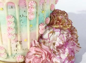 You Can't Look Away From These 11 Mesmerizing Drip Cakes