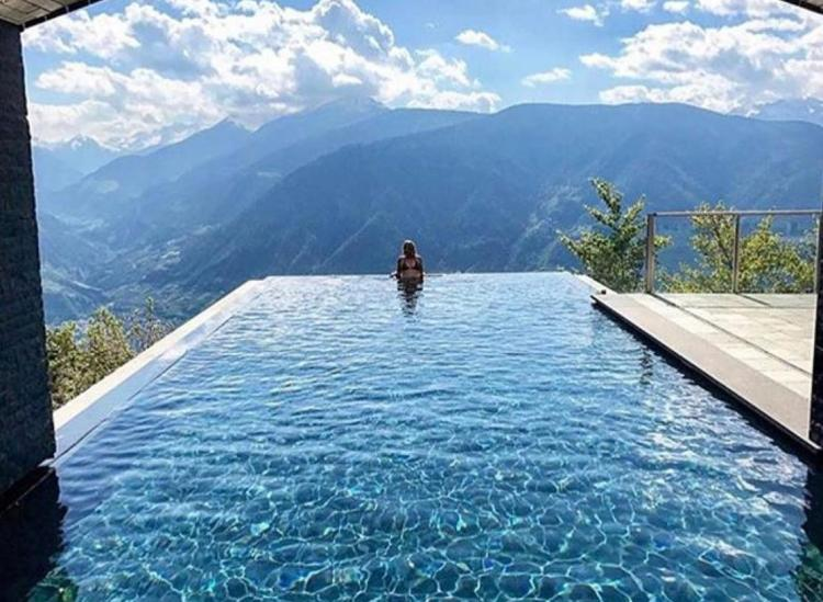These 5 Infinity Pools Will Have You Dying To Take A Dip