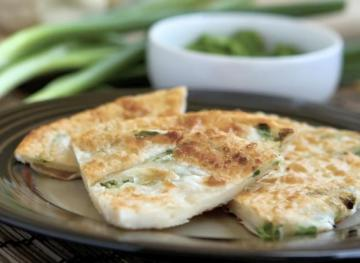 How To Make Scallion Pancakes That Rival Your Favorite Chinese Takeout