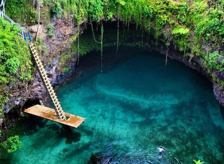 To Sua Ocean Trench Allows You To Swim Inside A Volcano