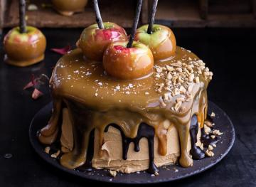 24 Salted Caramel Desserts That Will Defy Your Sweet 'N Savory Expectations