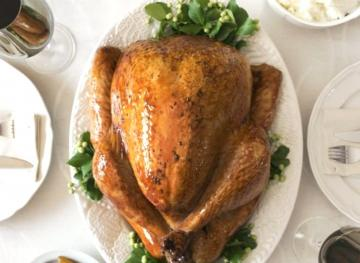 Here's Why You Should Never Rinse Your Turkey, According To Experts