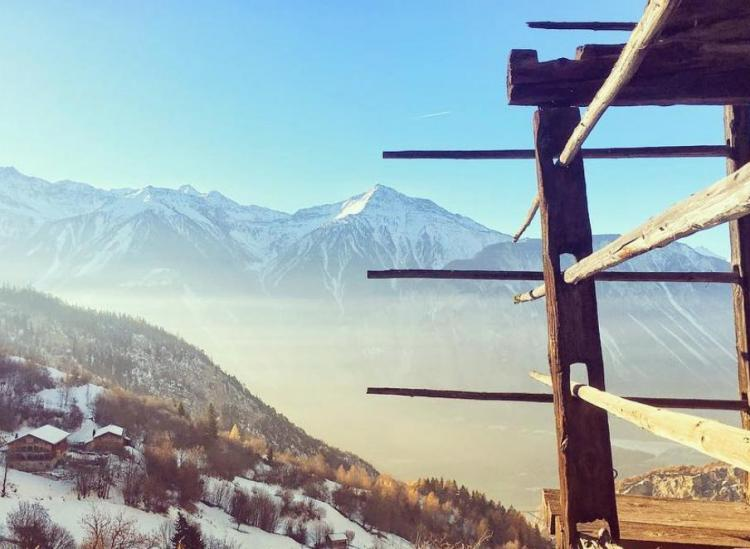 get paid to move to albinen switzerland