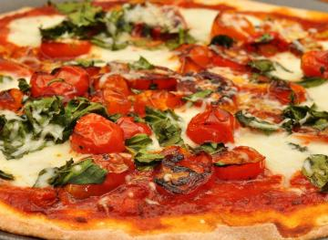 6 Frozen Pizzas That Taste Amazing And Aren't Horrible For You