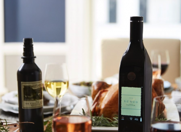 This WiFi-Connected Bottle Keeps Your Wine Fresh For Weeks