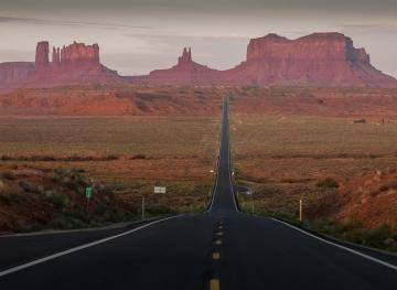 This Stretch Of Utah Highway Is The Ultimate Road Trip Photo Op