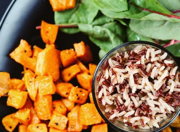 8 Lunch Ideas That'll Nix Your Need For The Microwave At Work