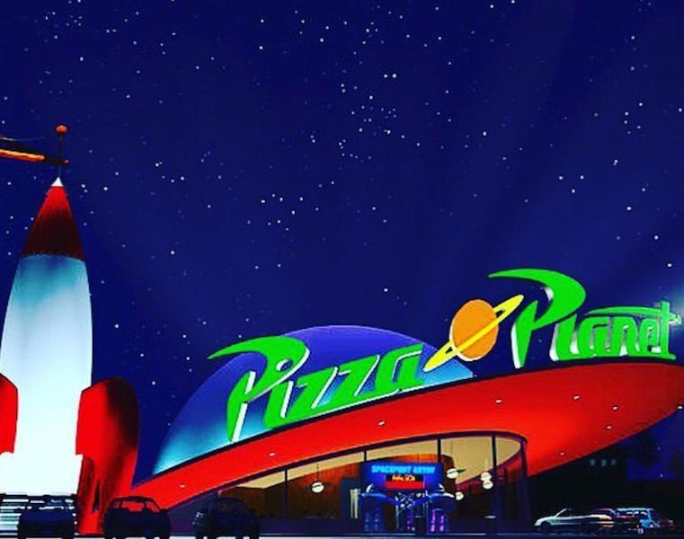 disneyland pizza planet  coming     toy