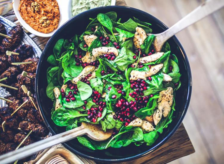 Here's Why You Should Actually Eat Your Salad After Your Main Meal