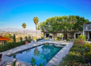 You Can Live Like A Movie Star In This Hollywood Hills Airbnb