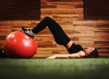 These Low-Impact Lower Body Strength Exercises Will Save You From A World Of Pain