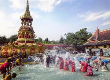 7 Inspiring And Refreshing Water Festivals Around The World