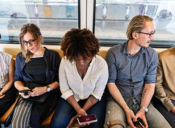 7 Easy Ways To Make Your Long Commute More Enjoyable And Productive