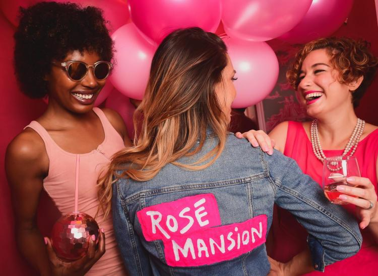 There's A Rosé Mansion In NYC And It's An Instagram Paradise