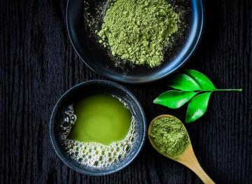 This Matcha And Manuka Honey Face Mask Is A Must-Try On Your Next Home Spa Day
