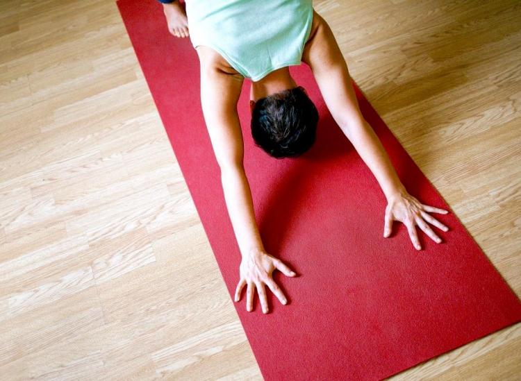 This Is The Best Way To Clean Your Yoga Mat