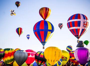 4 Breathtaking Hot Air Balloon Festivals Around The World