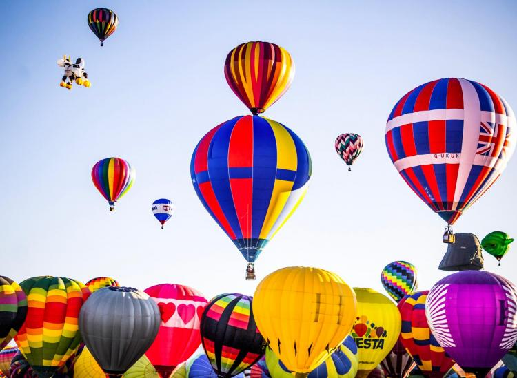 4 Breathtaking Hot Air Balloon Festivals Around The World