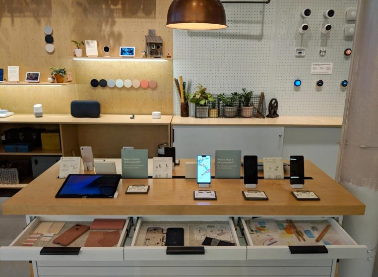 Google's Holiday Pop-Up Shops Are Full Of Instagrammable Techie Fun