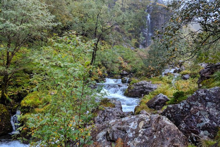 hiking the scottish highlands