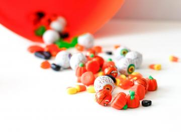 This Is What Happens When You Eat An Entire Bag Of Halloween Candy In One Sitting