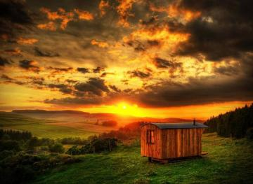 Glamp Among The Rolling Hills Of Scotland In This Shepherd's Hut Airbnb