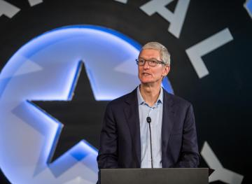 Even Apple CEO Tim Cook Gets Sucked In By Online Critics