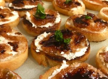 Goat Cheese And Fig Crostini With Basil And Balsamic Glaze Is The Party App You Need