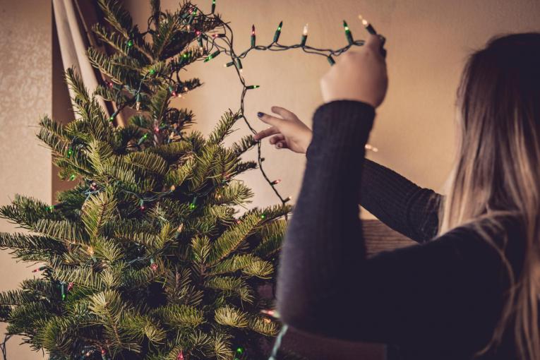 christmas tree spending