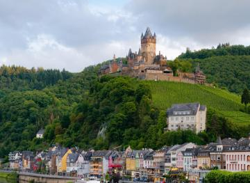12 Stunning Spots Where You Can See The Best Of Germany's 20,000 Castles