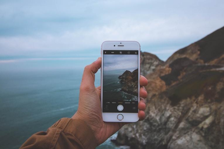 taking travel photos with a phone