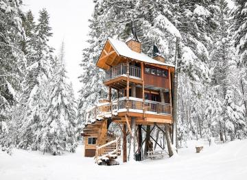 This Treehouse Lodge In Montana Is The Perfect Retreat For Your Next Ski Trip