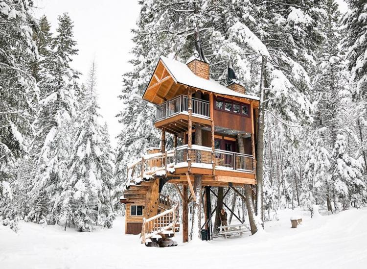 Montana treehouse Airbnb