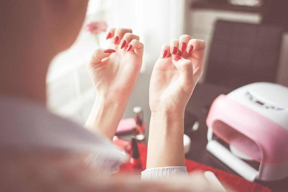 Harmful Nail Polish Remover Ingredients You Should Avoid