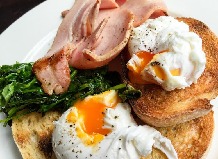 Your Ultimate Guide To Poaching The Perfect Egg — It's Easier Than You Think