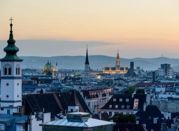 A Solo Traveler's Guide To 24 Hours In Vienna