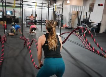 Protect your joints in HIIT class