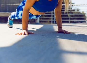 Strengthen Your Core By Moving It Less With These 7 Great Ab Exercises